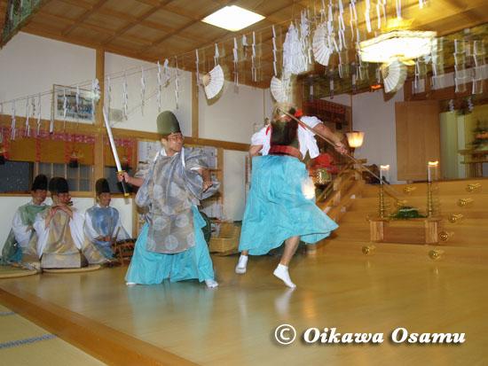鹿部町 本別稲荷神社・宵宮祭「兵法舞」