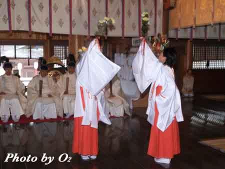 函館市 函館八幡宮 宵宮祭 雅楽 豊栄の舞