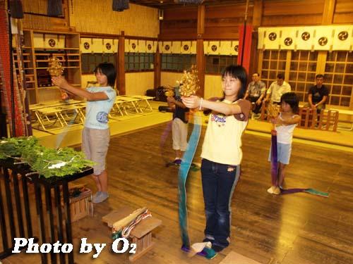 平成19年 湯倉神社 浦安の舞 練習風景 拝殿2