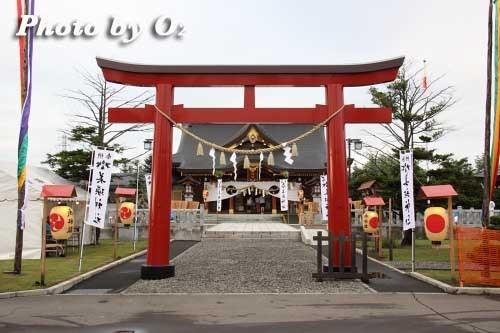 平成22年 美瑛神社宵宮祭 那智・美瑛火祭り 鳥居と拝殿