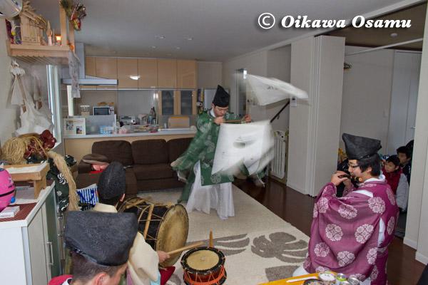 上ノ国八幡宮 神楽舞い 2013