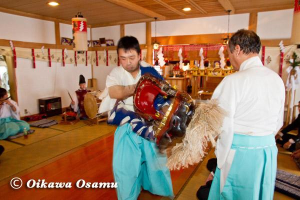 原口八幡神社 獅子舞 2013