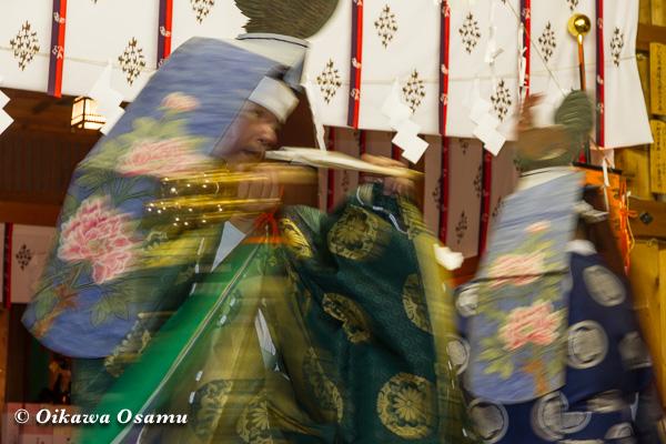上磯八幡宮 松前神楽 二羽散米舞 2013