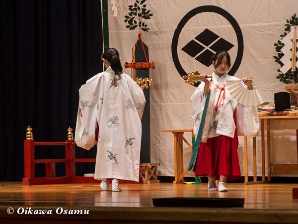 松前神楽小樽ブロック保存会合同公演 2013 京極町 神恵内 鈴上舞