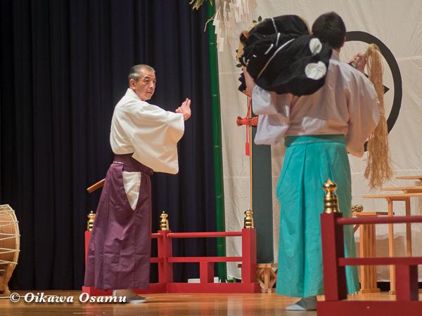 松前神楽小樽ブロック保存会合同公演 2013 京極町 十二の手獅子舞 御稜威舞
