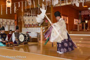 平成28年 鹿部稲荷神社 宵宮祭 松前神楽 幣帛舞