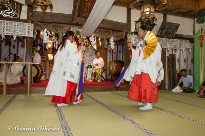 北海道 乙部八幡神社 神楽舞 神子舞