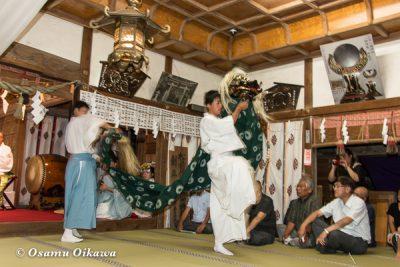 北海道 乙部八幡神社 神楽舞 獅子舞
