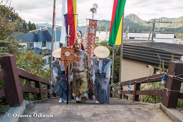 福島町 福島大神宮渡御祭 2日目 神社行列 猿田彦 拝殿に戻る