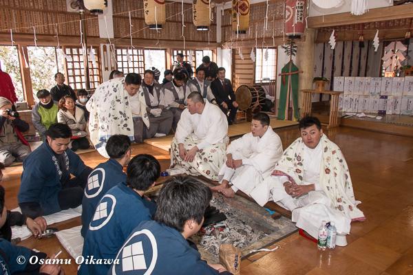 平成29年 木古内町 佐女川神社 寒中みそぎ祭 水垢離を終えた行修者