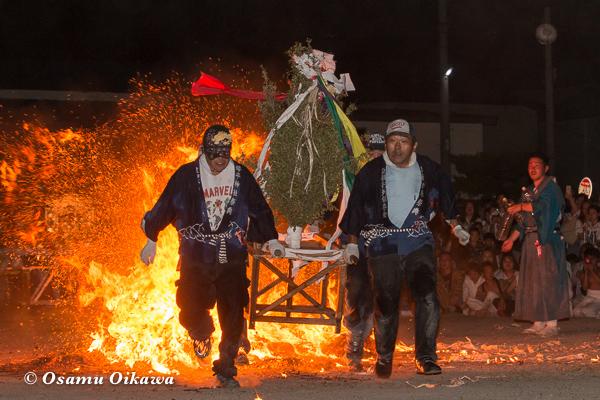 H29 古平町 琴平神社渡御祭 神籬 火渡り