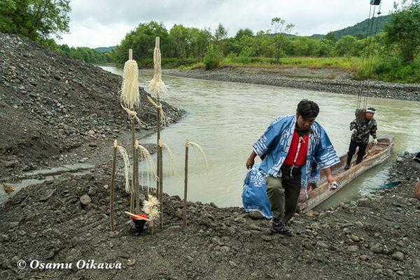 平成30年 平取町 チプサンケ アイヌ民族 沙流川 丸木舟 祭壇