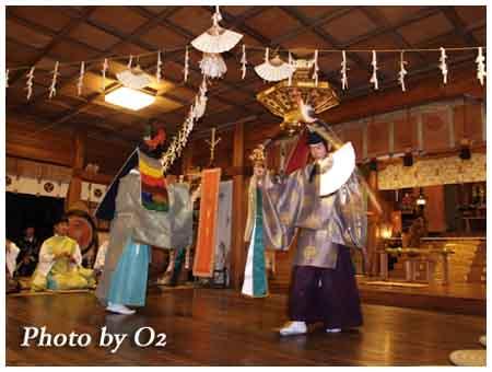 函館市 湯倉神社 松前神楽 二羽散米舞