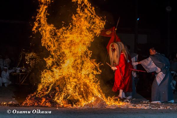 H29 古平町 琴平神社渡御祭 猿田彦 火渡り