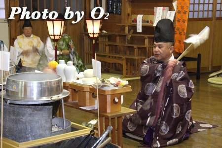 平成22年 北斗市 上磯八幡宮 春の祈年祭 鎮釜湯立式 釜清
