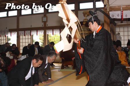 平成21年 函館市 高穂神社例祭 松前神楽 榊舞02
